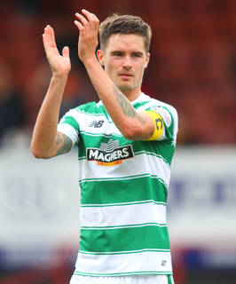 Lustig eyes new deal to stay on at Celtic