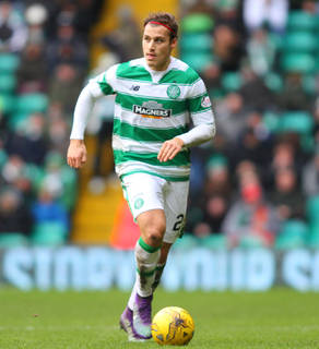 Ex-Rangers Striker Reacts on Twitter After Celtic Defender's Ambitious Claim